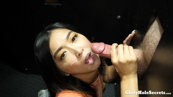 Lexi Mansfield - Lexi M's First Gloryhole Video - 01.03.2019 [FullHD 1080p] (Gloryholesecrets)