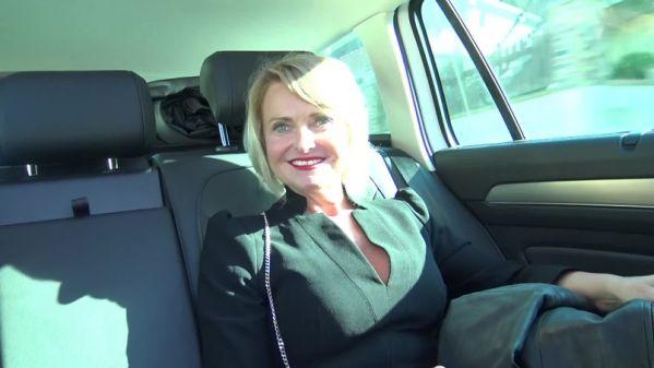 Cintya - Cintya, quarantenaire tres raffinee - 05.03.2019 [FullHD 1080p] (JacquieetMichelTV)
