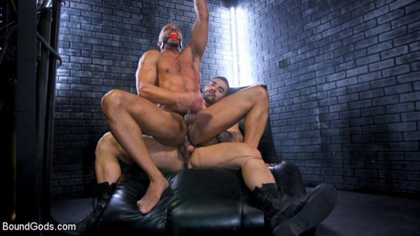 BG – Dillon Diaz serves The House – Arad Winwin & Dillon Diaz