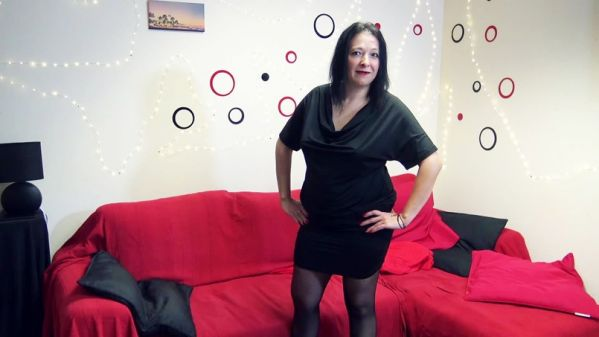Aline - Cantiniere coquine, voici Aline, 40ans - 08.03.2019 (FullHD/2019) by JacquieetMichelTV.net