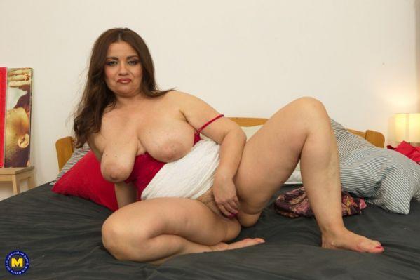 Suzzane 49 - Curvy MILF with big tits