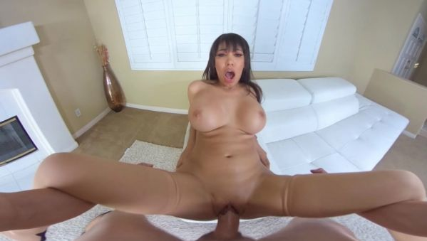 Housewife Gets a Warm Creampie - Smartphone High