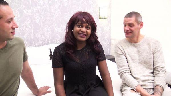 Melissa - Melissa, 21ans, se depeche pour continuer ses experiences (17.04.2019) [FullHD 1080p] (JacquieetMichelTV)