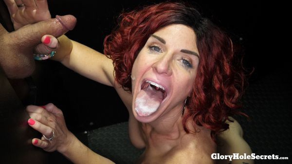 Gloryholesecrets - Molly Pleasant - Molly P's First Gloryhole Video (12.04.2019) [FullHD 1080p]