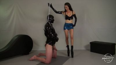 KinkyMistresses – The Slave In The Latex Straightjacket – Mistress Susi
