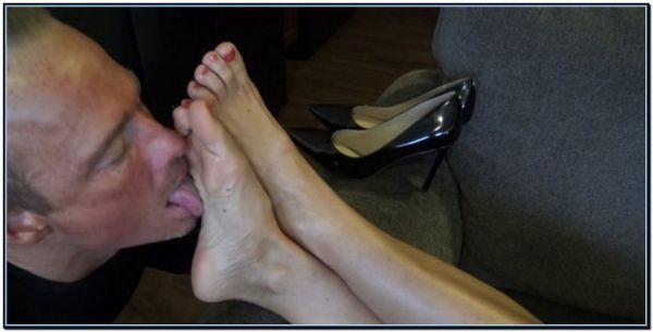 Worship My Feet Bitch Femdom Foot Fetish