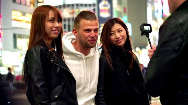 Mona, Tsubaki - Mona et Tsubaki, deux guides coquines de choix a Tokyo (26.04.2019) [FullHD 1080p] (JacquieetMichelTV)