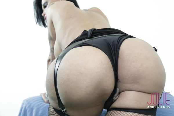 Samantha Di Piacci - Dressed To Play