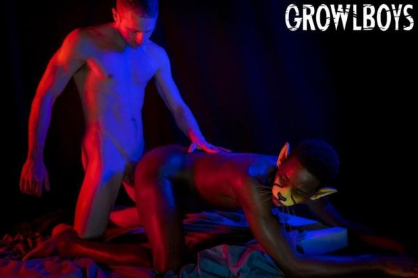 GrowlBoys - Big Cat - Chapter 1 - Freak Juice
