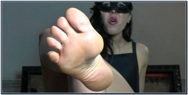 Squirm Time Femdom Foot Fetish