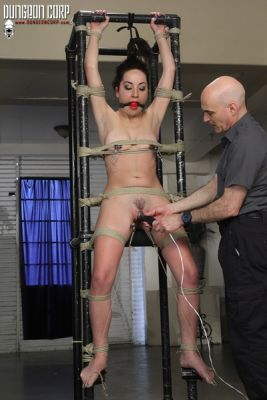 SocietySM – Squirting in the Dungeon – Marley Blayze
