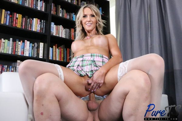 Kayleigh Coxx - Getting Out Of Trouble With Her Professor [HD 720p] (Pure-TS)