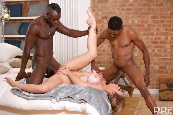 Chessie Kay - Black Dicks Make Her Cum