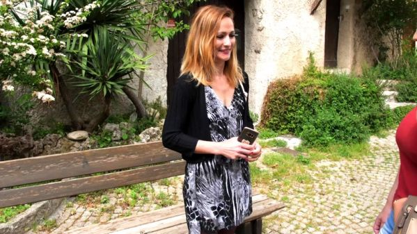 JacquieetMichelTV: Alice - Alice, 35ans, passe de la comptabilite a J&M TV (23.05.2019) (FullHD/2019)