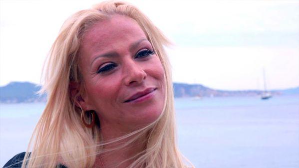 JacquieetMichelTV - Helena - A La Ciotat, Helena, 35ans, barmaid, decouvre la vraie defonce (17.06.2019) [FullHD 1080p]