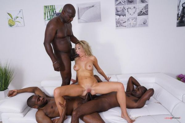 LegalP0rno - Marilyn Crystal - Beautiful playmate Marilyn Crystal comes to test black bulls DAP IV317 [HD 720p]
