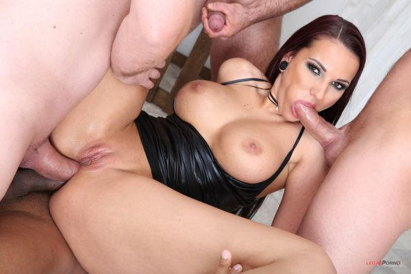 Jolee Love - Fucking Wet Beer Festival with Jolee Love Balls Deep Anal, DAP, Gapes, Swallow GIO996 [HD 720p] (LegalP0rno)