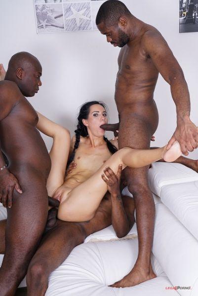 Megan Venturi enjoys black cocks IV323