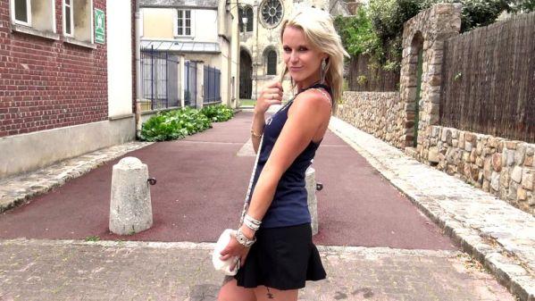 JacquieetMichelTV - Naomie - Tornade blonde, Naomie, 30ans, ne passe pas inapercue (11.07.2019) [FullHD 1080p]