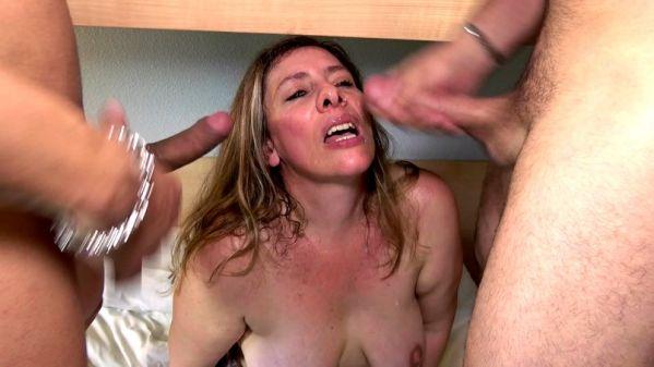 Aurelie - Aurelie, 36ans, surmonte sa timidite (17.07.2019) [FullHD 1080p] (JacquieetMichelTV)