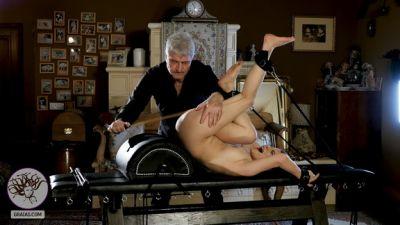 Graias.com - Methodology Of Torture - The Bench