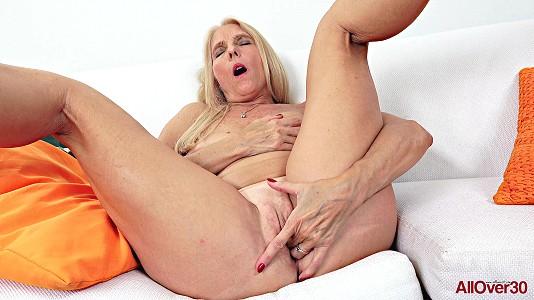 Chery Leigh - Mature Pleasure