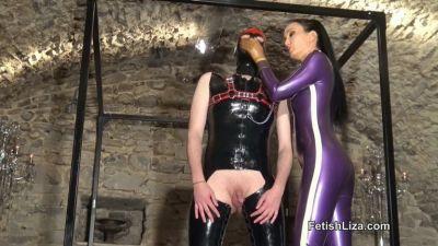 FetishLiza – Latex Licking Slave