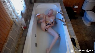Bondage Life – Lunch (Shaving Edition Plus Legs) – Rachel Greyhound