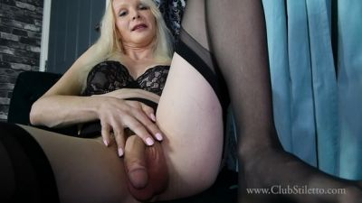 Clubstiletto - Mistress Staci - Toes And Who knows