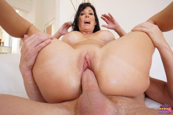 Reagan Foxx - Hot Momma