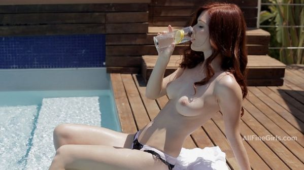 Mia Sollis - Sunday Is For Relaxing
