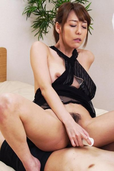 Squirting lover Asagiri Akari wants to make date with you Smartphone