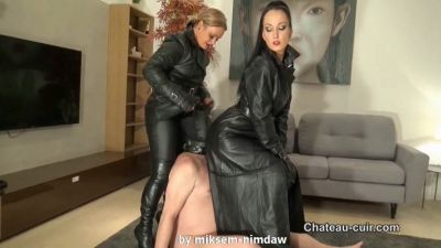 Chateau-Cuir – Triple leather Dommes smother