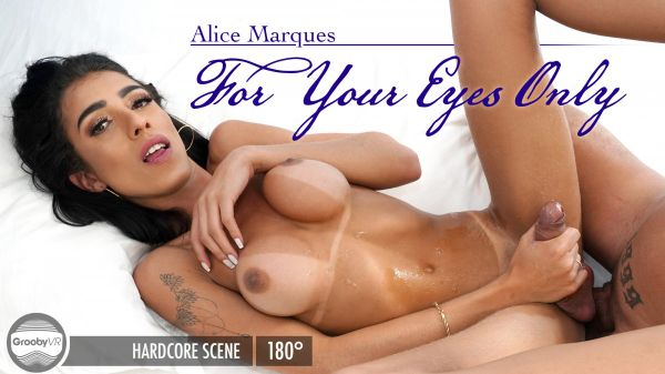 GroobyVR: Alice Marques - For Your Eyes Only [HD/960p]