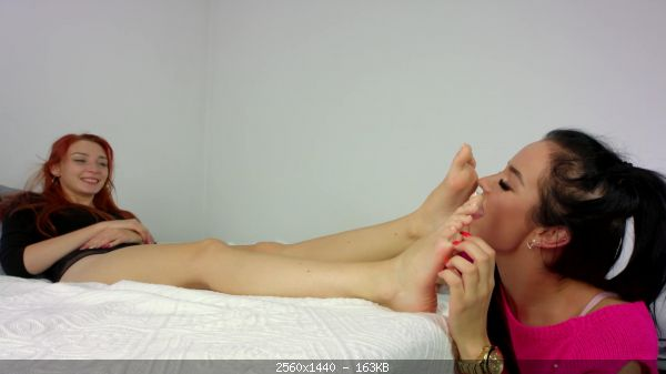 Tickling_25-Eliza_Tickle_And_Lick_Feet_Of_Helena.jpg