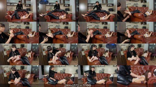 Tickling_26-Helena_And_Weronika_-_Tickle_Session.jpg