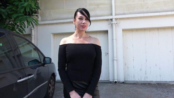 Adeline - Adeline fait valoir son absence de limites (16.09.2019) [FullHD 1080p] (JacquieetMichelTV)
