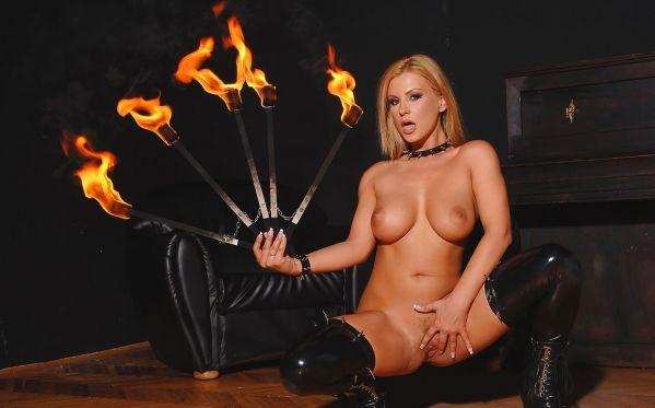 Fiery Hot Fetish Babe