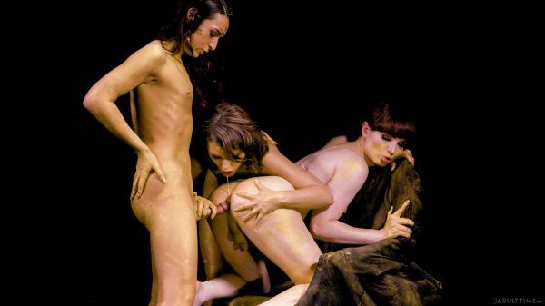 Transfixed: Khloe Kay, Natalie Mars, Adriana Chechik - Stay Gold [HD/720p]