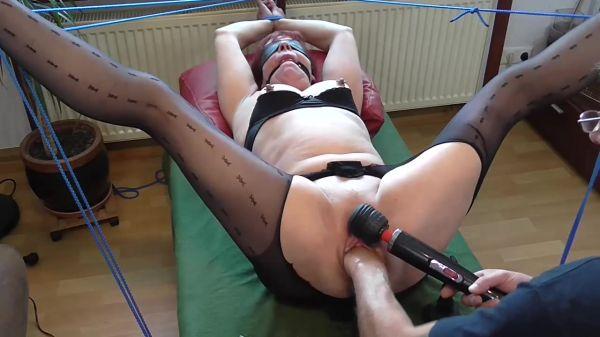 Sicflics - Amateur - Squirting orgasm in bondage (01.10.2019) [HD 720p]
