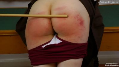 TripleASpanking – Melanie's 24 stroke caning