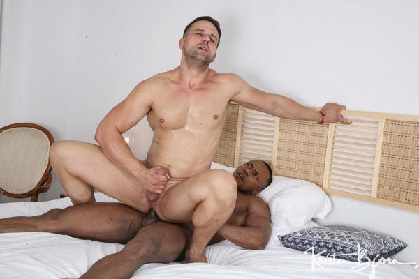 KB_-_Casting_Couch__420_-_Santi_Sexi___Austin_Lazar.jpg