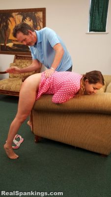 Real Spankings – Hand Spanked Before Bed