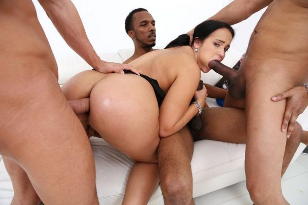 Jennifer Mendez - Thick slut Jennifer Mendez assfucked by Gonzo monsters with DP SZ2292 [HD 720p] (LegalP0rno)