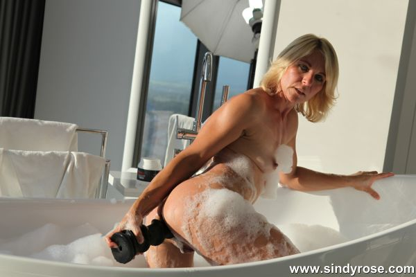 Sindy Rose - SindyRose fistfuck her wide open anus in bath tube & prolapse (19.10.2019) [FullHD 1080p] (SindyRose)