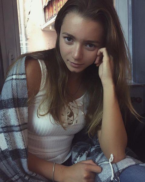 [Image: maryna_kyryk_-_BXv1EewFzpw.jpg]