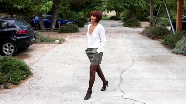 JacquieetMichelTV.net - Rebecca, 35 years old, stylist (23.10.2019) with Rebecca (FullHD/1080p) [2019]