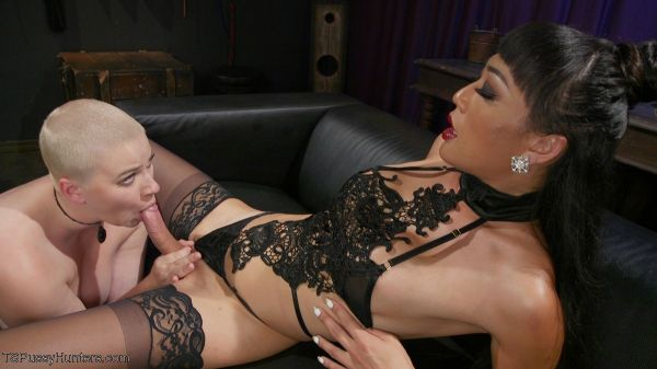 TSPussyHunters - Venus Lux, Riley Nixon - Digital Dominatrix: Venus Lux Dominates Riley Nixon in Virtual Fantasy (21.10.2019) [HD 720p]