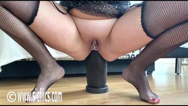 Sicflics: Nikoletta - Nikoletta destroys her ass (01.11.2019) (HD/720p)