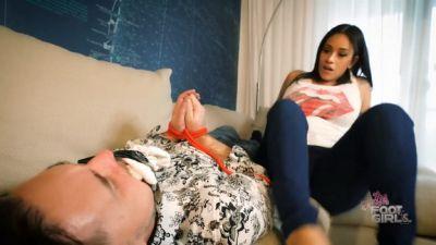 Jamie Valentine – You WANT Stinky Feet huh?